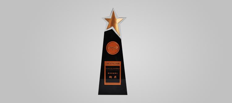 """连续参加国内钟表行业第一展——第22届中国(深圳)国际钟表珠宝展,以""""商务低碳""""为设计主题的雷诺展馆荣获特装展位铜奖。"""
