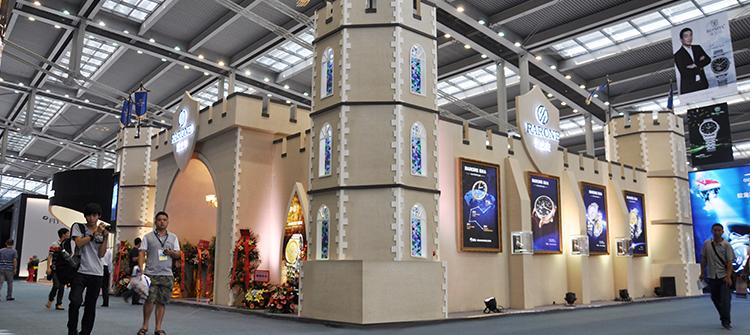 """以""""商务骑士""""主题,闪耀参展第25届中国(深圳)国际钟表展。"""