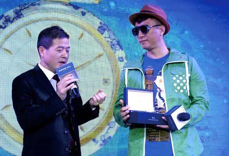 南京 孙红雷亲临南京中央商城助阵雷诺表开业盛典